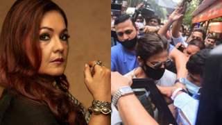 Pooja Bhatt tweets 'Tragic' after Shah Rukh Khan gets mobbed post visiting Aryan Khan in jail
