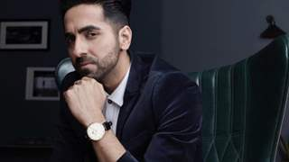 """""""Please don't copy Sushant """" SSR fans slams  Ayushmann Khurrana on his recent pictures with a Telescope"""