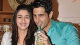 Alia, Sidharth get makeover during salon launch