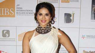 Compromise, trust key to successful marriage: Sunny Leone