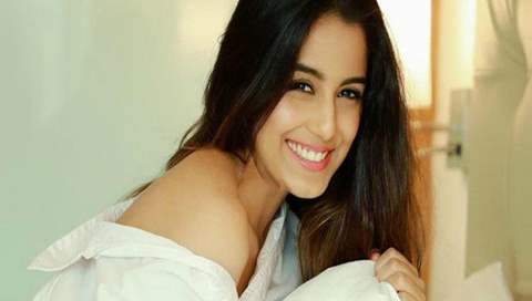 Here comes the confession!! Srishty Rode finally confirms that she is single and content