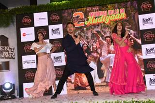 Ananya-Tiger-Tara have fun on the song launch of SOTY2!