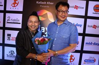 Celebrities attend Kailash Kher birthday bash!