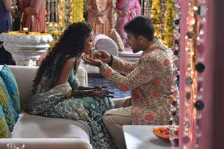 Kunal and Kuhu Mehendi Ceremony Pictures from Yeh Rishtey Hai Pyaar Ke
