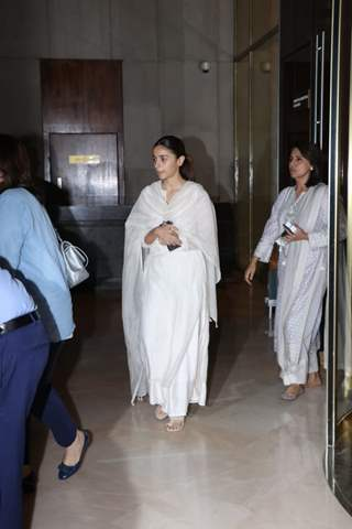 Celebs attend Manish Malhotra's father's prayer meet