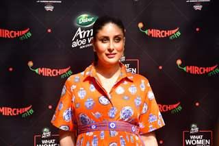Kareena Kapoor Khan snapped at Balgandharva Rang Mandir, Bandra