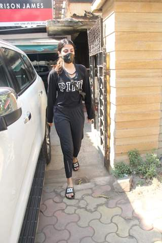 Rhea Chakraborty snapped leaving gym, ahead of her comeback in Bollywood
