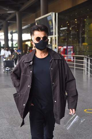 Anil Kapoor, Janhvi Kapoor and other celebrities snapped at airport