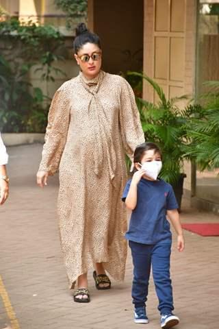 Kareena Kapoor Khan spotted visiting Karishma Kapoor's house