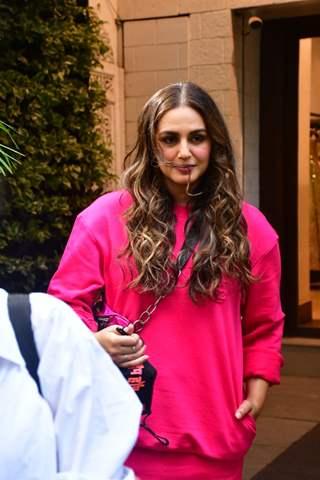 Huma Qureshi spotted for shoot at Manish Malhotra store