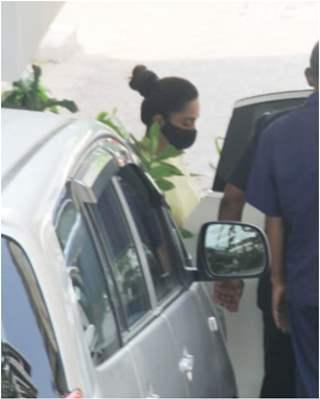 Kiara Advani spotted outside rumored boyfriend Sidharth Malhotra's house