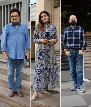 Raveena Tandon, Anupam Kher, and Ashoke Pandit snapped at NM college, Mumbai!