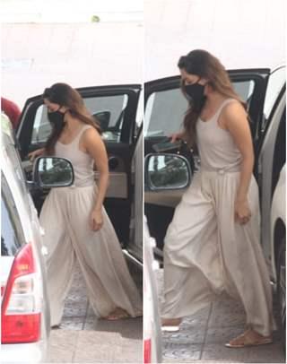 Kiara Advani snapped at rumored boyfriend Sidharth Malhotra's house in Bandra!