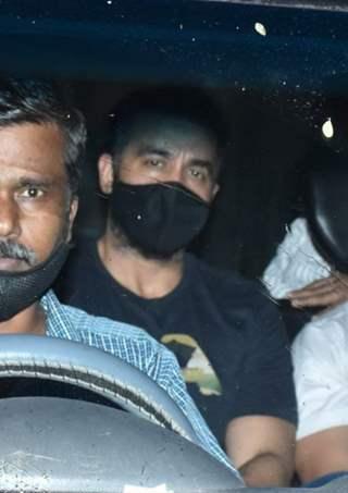 CBI officials raid Raj Kundra's residence!