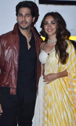 Kiara Advani and Sidharth Malhotra on the sets of The Kapil Sharma Show!