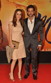 Hrithik Roshan posing with his wife Sussanne Roshan at Premiere of film 'Mausam' at Imax, Wadala