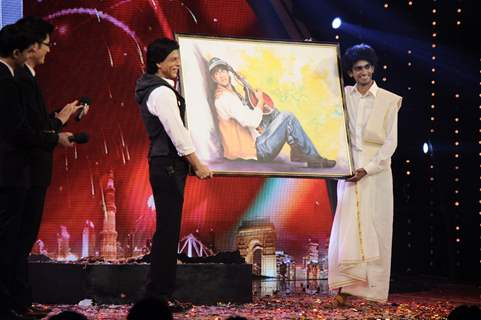Shah Rukh Khan on the sets of India's Got Talent 3 in Film City
