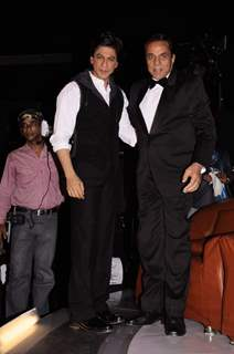 Shah Rukh Khan and Dharmendra on the sets of India's Got Talent 3 in Film City