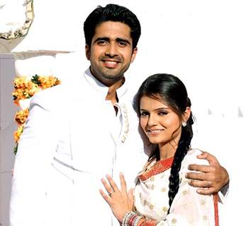 Rubina Dilaik as Radhika with Avinash Sachdev as Dev in Chhoti Bahu