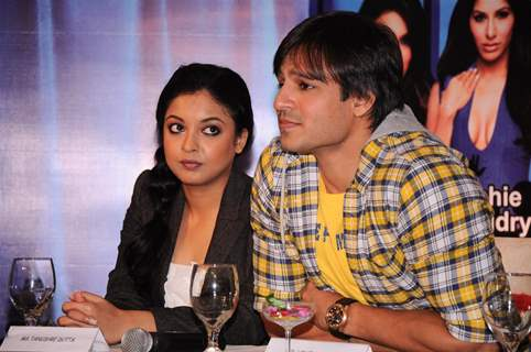 Vivek Oberoi and Tanushree Dutta at the announcement of Country Club's New Year 2012 Press Meet