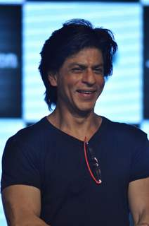 Shah Rukh Khan promotes his film Ra.One at Inorbit Mall in Malad, Mumbai
