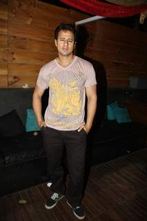 Aryan Vaid grace Rohit Verma's birthday bash with fashion show 'Hare' at Novotel