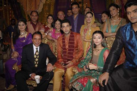 Dharmendra on the sets of TV serial 'Preeto' at Powai in Mumbai