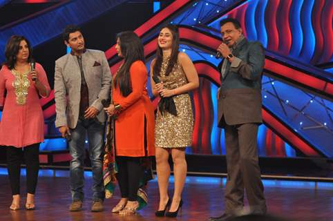 Farah Khan, Marzi, Geeta Kapoor, Kareena Kapoor, Mithun on The Sets of Dance India Dance