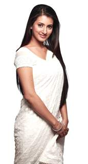 Additi Gupta as Nandini in Badalte Rishton ki Daastan