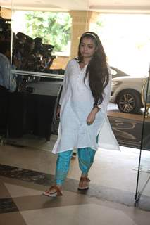 Vaibhavi Merchant attend condolence meet of Priyanka Chopra's father Ashok Chopra