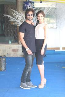 Shahid Kapoor and Ileana D'Cruz pose at PHATA POSTER NIKLA HERO- press meet
