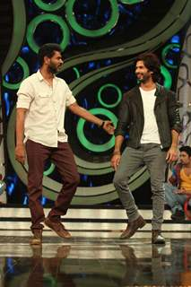 Prabhu Deva and Shahid Kapoor at R.Rajkumar promotion on DID Dance Ka Tashan