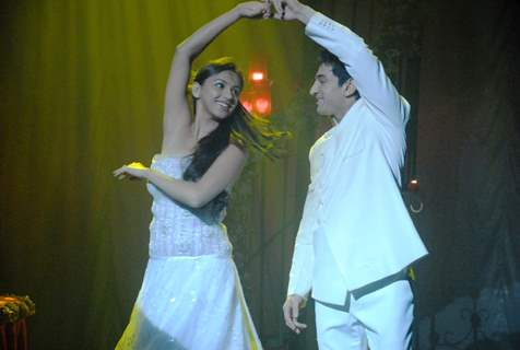 Shantanu and Nandini doing Salsa