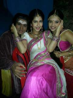 sonarika bhadoria with ahsaas channa and rushraj pawar