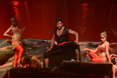 Terence Lewis performs at Nach Baliye Season 6 Grand Finale