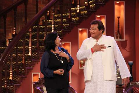 Vinod Khanna performs at Comedy Nights With Kapil
