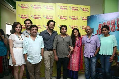 Bobby Jasoos team at Radio Mirchi