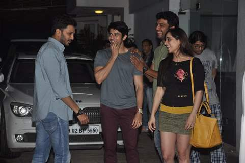 Riteish chats with friends at the Screening of Lai Bhari