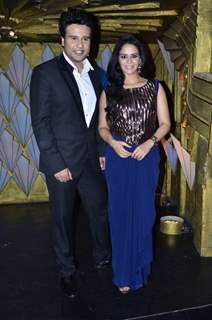 Krushna and Mona pose for the camera on the sets of Entertainment Ke Liye Kuch Bhi Karega