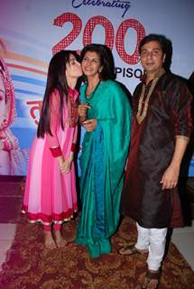 Rukhsar Rehman gives a kiss to Anita Raaj at Tumhari Paakhi's 200 Episodes Celebration