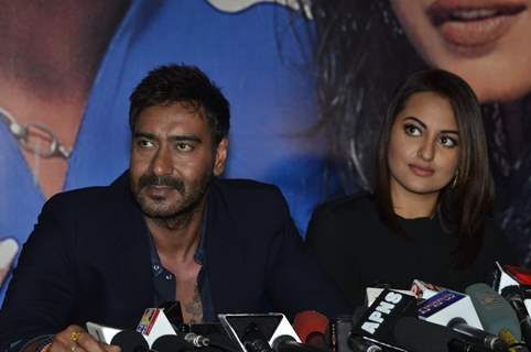 Sonakshi Sinha and Ajay Devgn snapped on the Sets of KBC 8