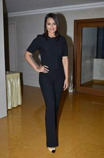Sonakshi Sinha poses for the media on the Sets of KBC 8
