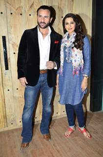Saif Ali Khan poses with Sonali Bendre at the Promotions of Happy Ending on Ajeeb Dastaan Hai Ye