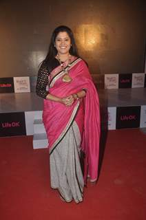 Renuka Shahane poses for the media at the Launch of Mere Rang Mein Ranganewali