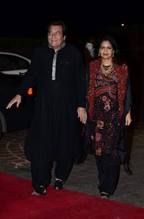 Vinod Khanna with wife snapped at Arpita Khan's Wedding Reception