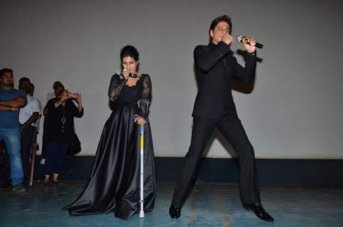 Shah Rukh Khan shakes a leg at the Celebration of 1000 Weeks Completion of DDLJ