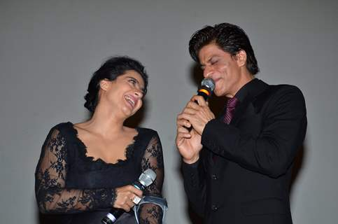 Shah Rukh Khan and Kajol Devgn relive their old days at Celebration of 1000 Weeks Completion of DDLJ