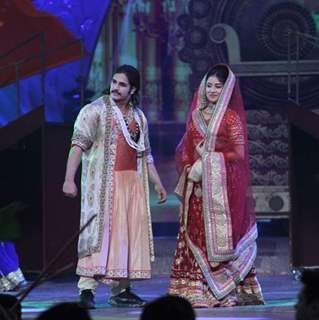Rajat tokas and Paridhi sharma in Zee Rishtey Awards