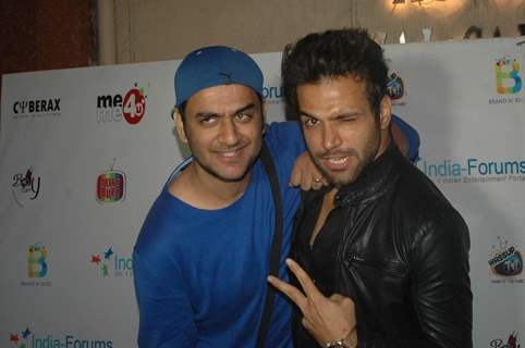 Rithvik Dhanjani with Vikas Gupta at India-Forums 11th Anniversary Bash