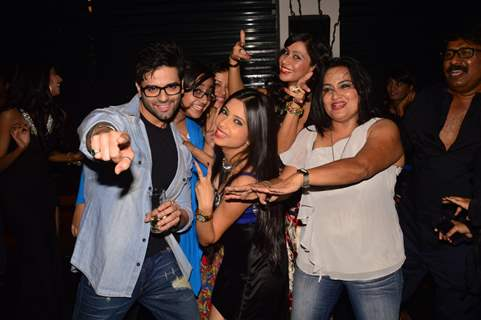 Diya Aur Baati Hum Team grooves to the music at India-Forums 11th Anniversary Bash